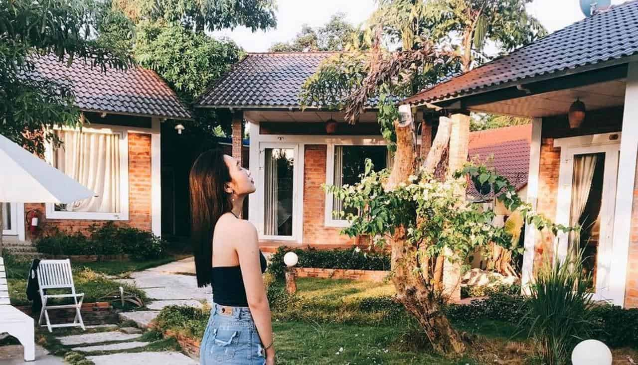 her-bungalow-12